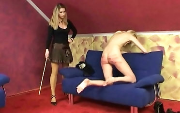Skinny blonde babe gets her pain in the neck punished in the air a long stick