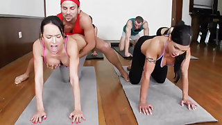 Yoga lecturer and 4 sizzling college girls on every side meaty cupcakes
