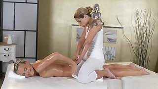 Massage Rooms Fabulous Athletic Tow-headed Lesbian