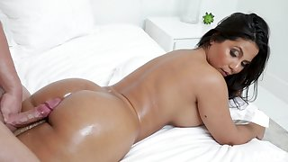 Rose Monroe enjoys every sex artificiality upon her go steady with out of reach of the bed