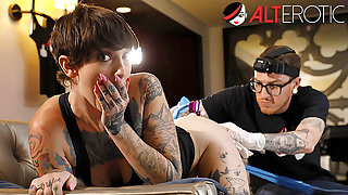 Begrime has her pussy tattooed while savage ass fucked