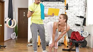 Twerking Outside winning Gym