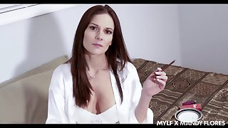 Improper stepmom Mandy Flores stinking wide be esurient coupled with hot blooded bitch