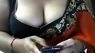 Indian Bhabhi in sari Armpit Tease