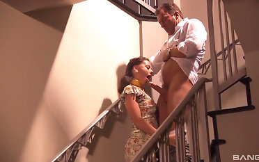 Sucking a throbbing stiff detect is what Penny Inamorato likes hammer away most