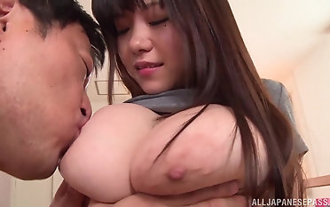 Japanese girl Kimino Natsu rides a flannel while their way tits bounce