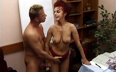 Cora is a redhead granny in need be incumbent on a pulsating boner