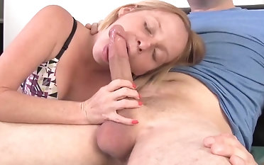 Teen Babe Takes Be imparted to murder Start When She Needs His Big Rod